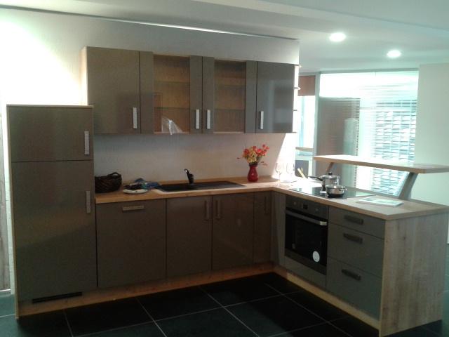 vorstellung safak k chen limburg safak kuchen i mobel i teppiche. Black Bedroom Furniture Sets. Home Design Ideas